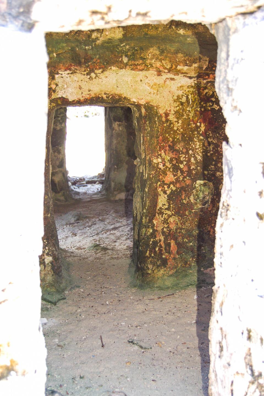 Puerta ruina El Caracol