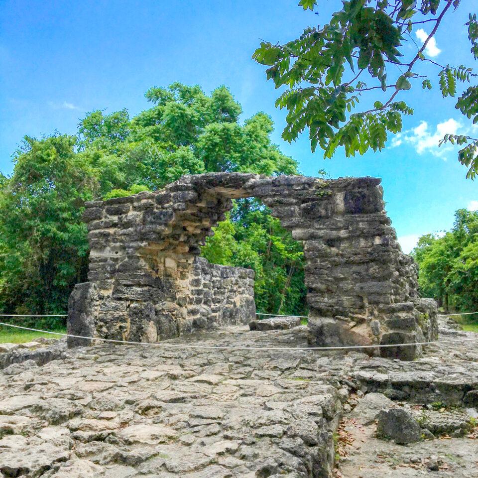 Imagen san gervasio, ruina el arco, zona arqueológica