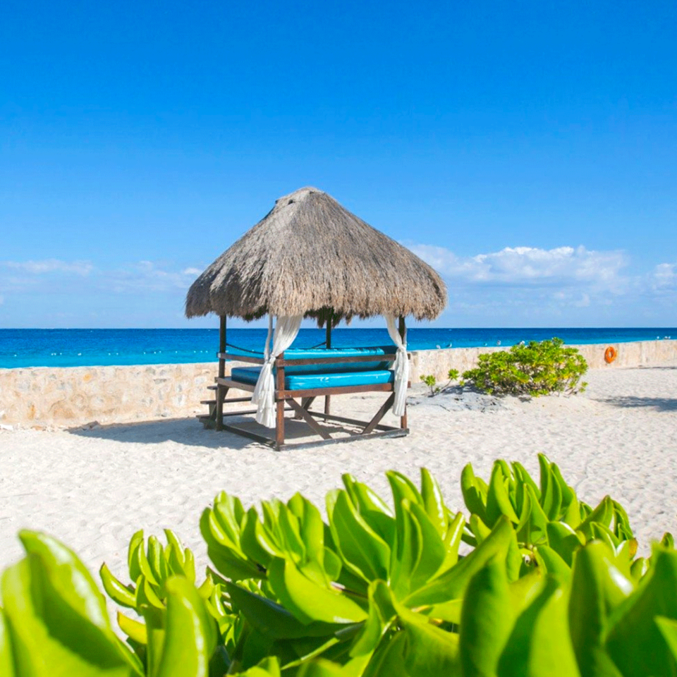 Buccanos Cozumel, club de playa cozumel