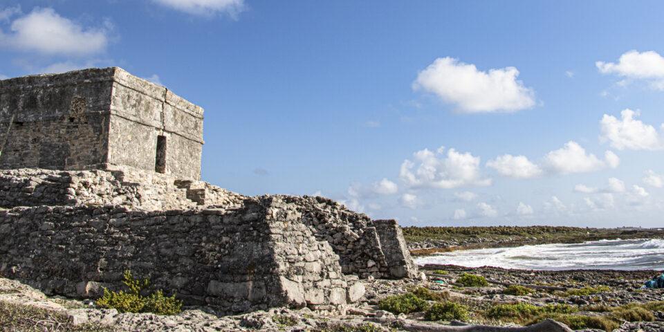 el castillo real costa oriental de cozumel