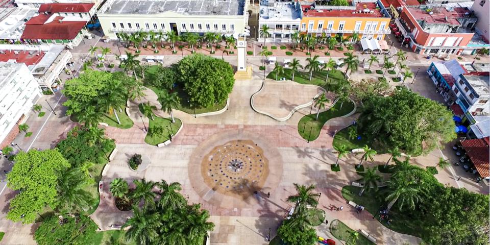 Imagen parque principal cozumel, parque Benito Juárez, plaza del sol cozumel, vegetación
