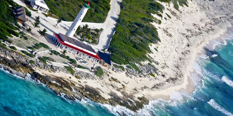 Imagen punta sur cozumel, faro celarain, museo de la navegacion cozumel, mar caribe, playas rocosas cozumel