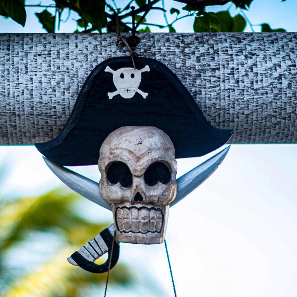 imagen que representa piratas en cozumel foto de mateusz dach en pexels