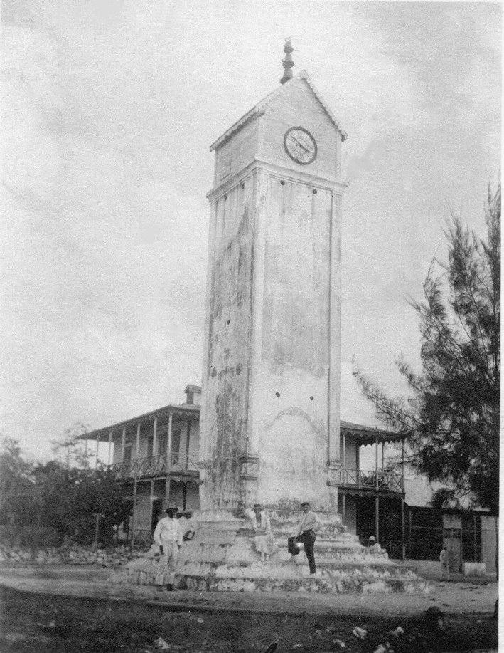 Imagen reloj cozumel, monumento historico, parque central